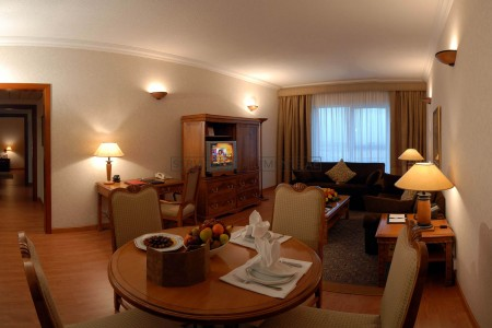 Furnished 3 Bedroom Hotel Apartment in Crowne Plaza Dubai